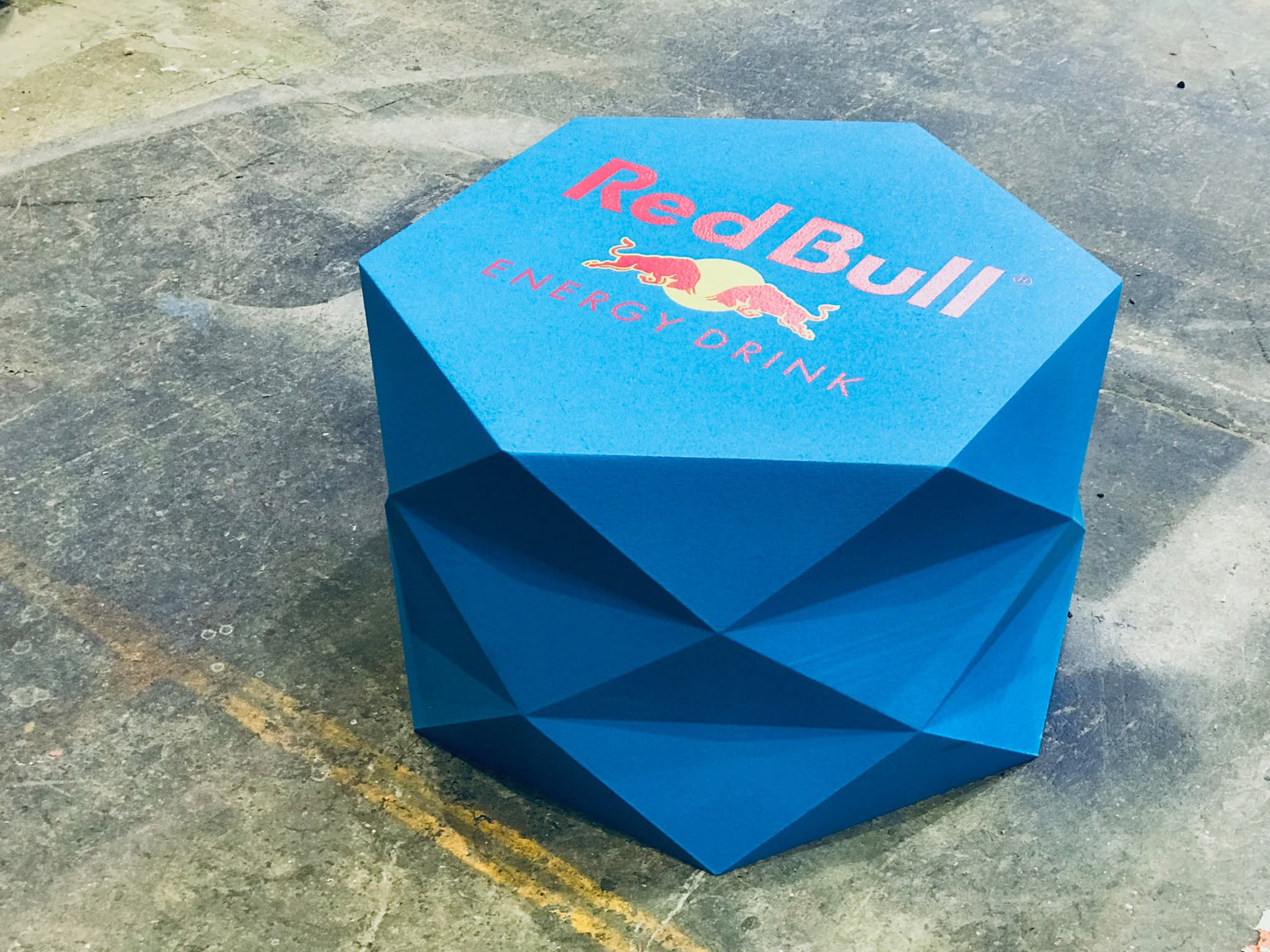 Facet Table Red Bull branded